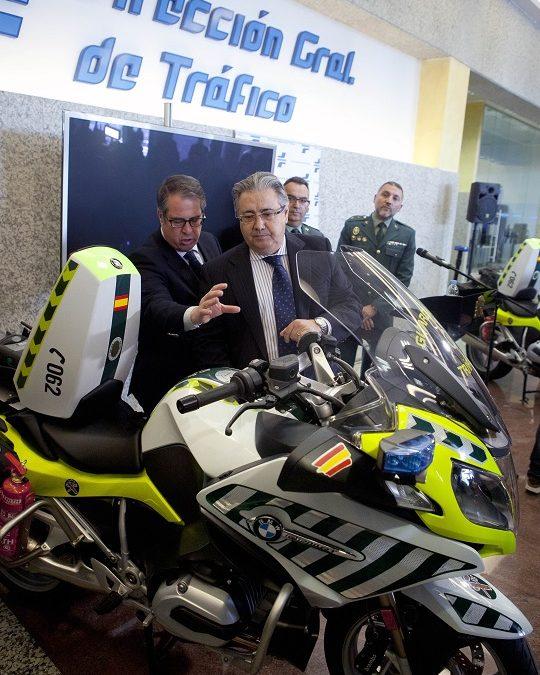 Mitomanía… La patrulla integral en motocicleta de la DGT no es integral.
