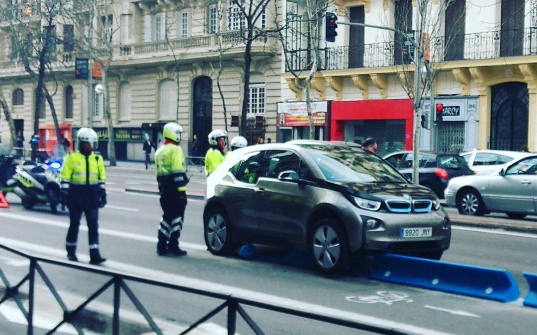 La ley no es para Madrid. Separadores carril bici.